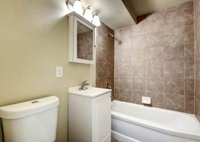213233 S Ingalls Street-print-015-9-Bathroom-2700x1801-300dpi